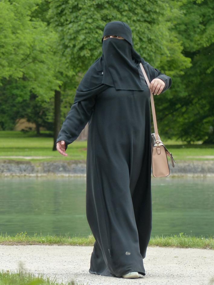 niqab-117519_1920